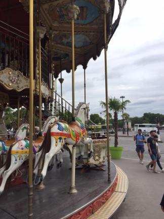 Merry-Go-Round in the Jardins du Trocadéro