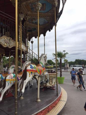 Merry-Go-Round in the Jardins du Trocadéro